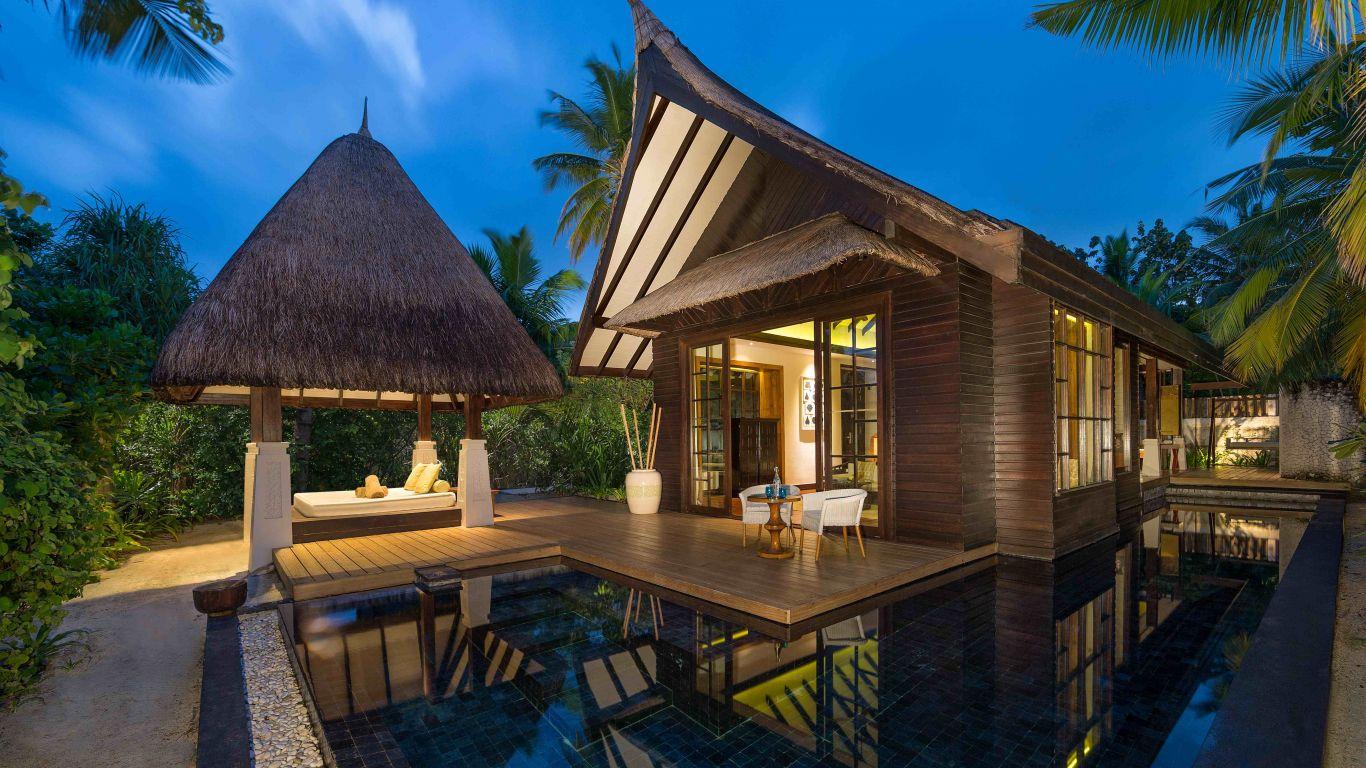 Jumeirah Beach Villa With Pool Sunset | Maldives
