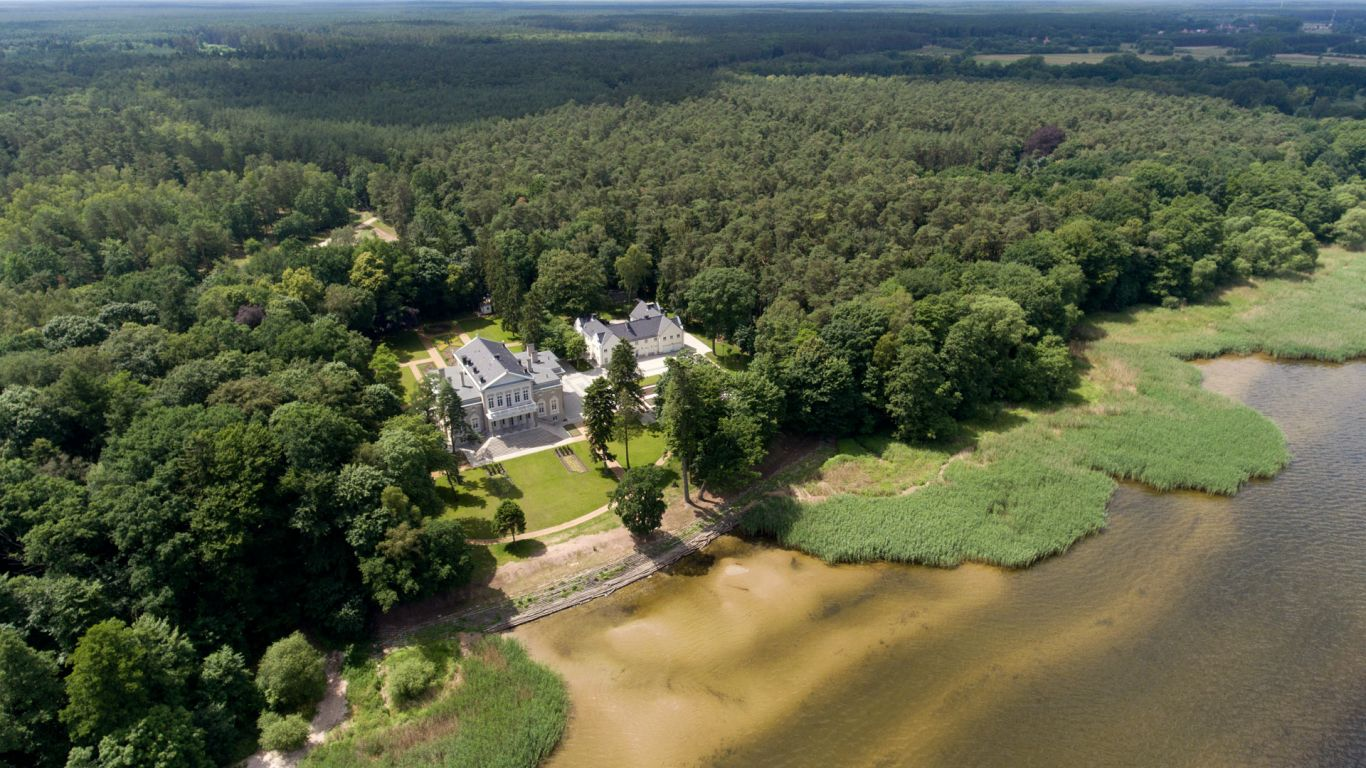 Manowce Palace   Poland