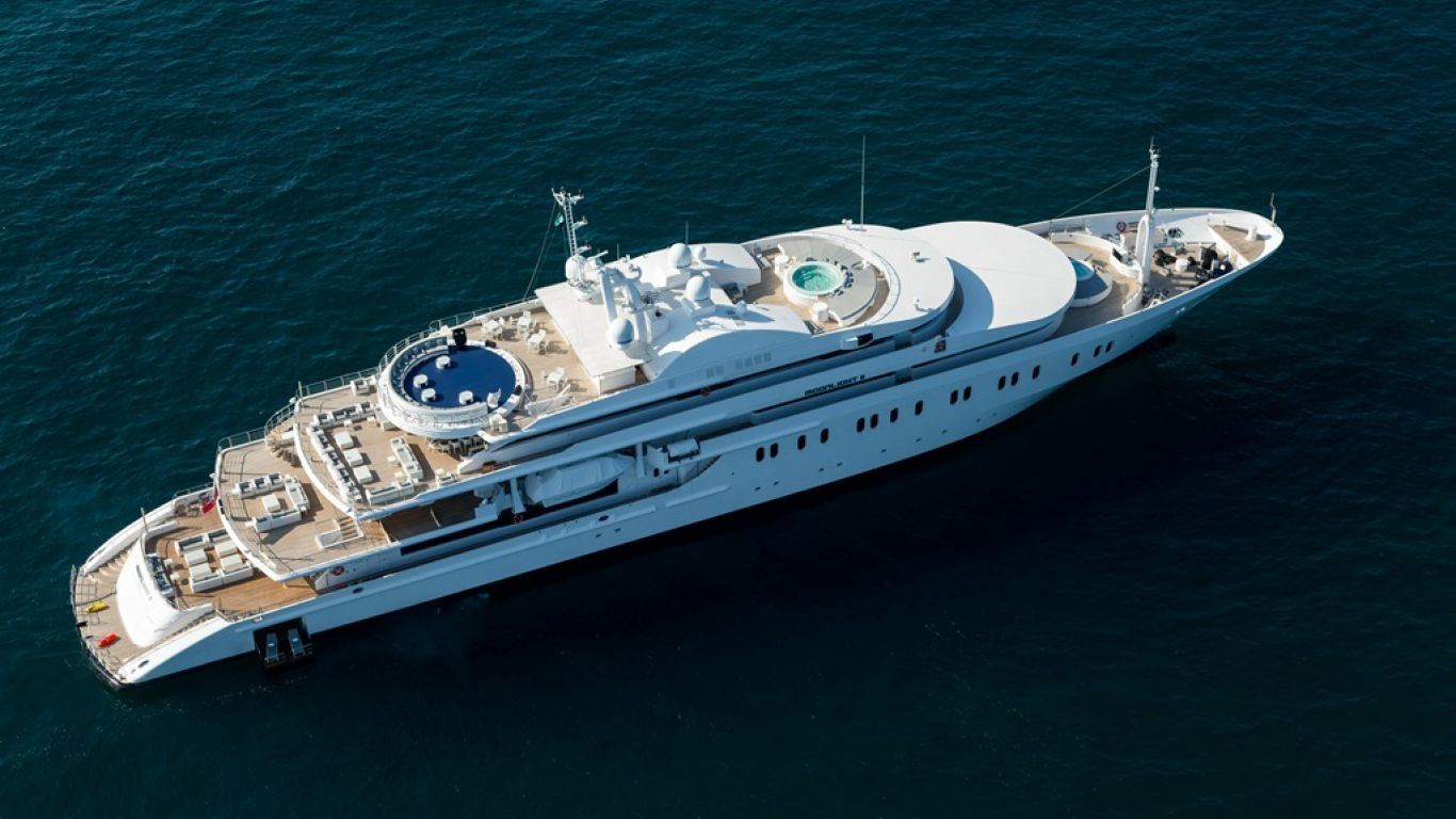 Yacht Moonlight II 300   Yachts