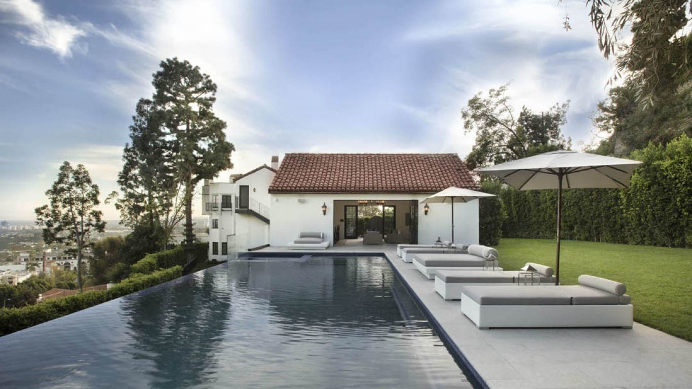 Villa Larisa | Los Angeles