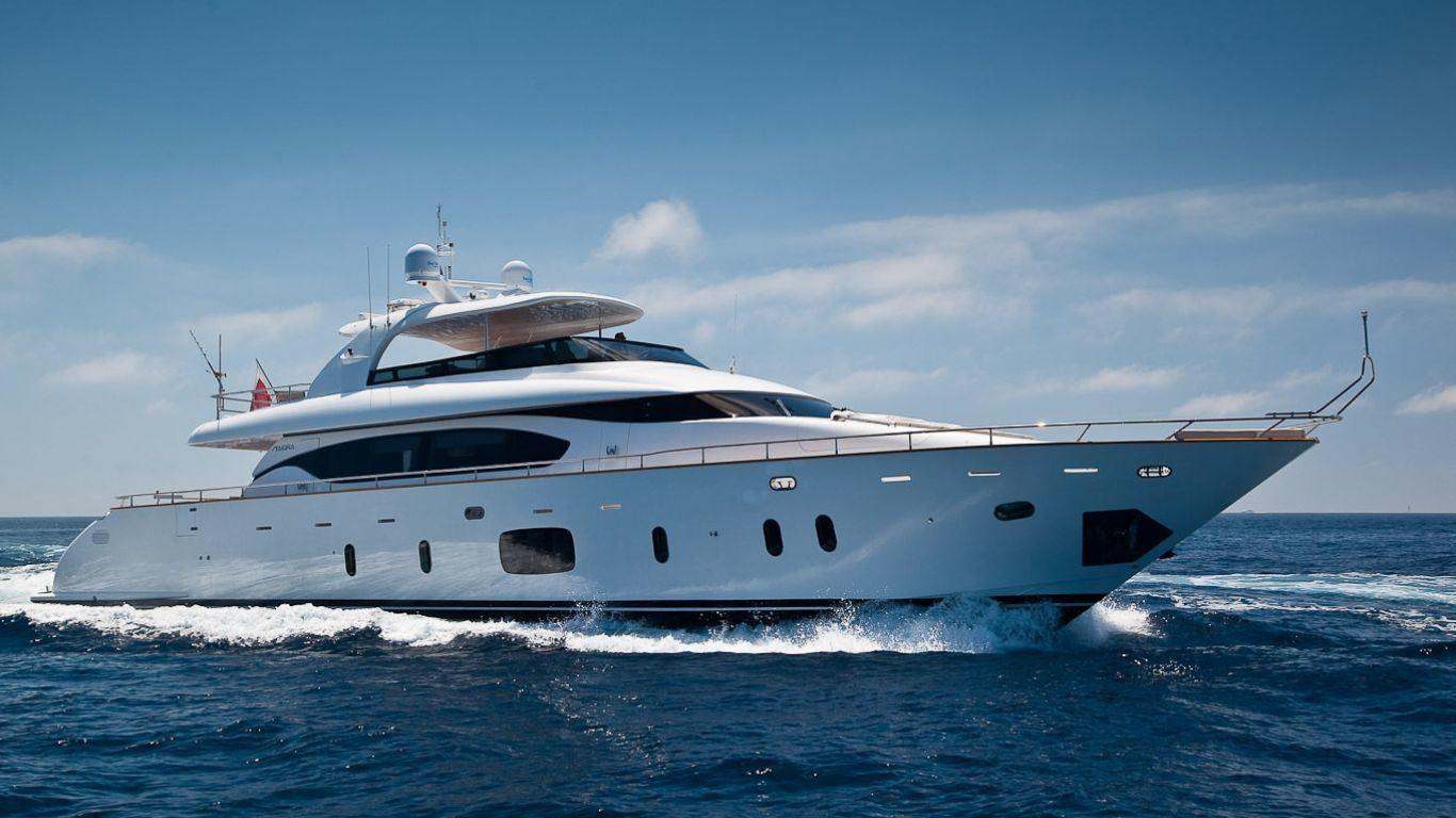 Yacht Aubrey 94 | Yachts